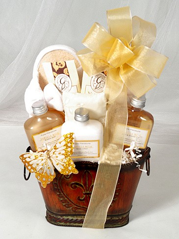 Venetian Monarch Bridesmaid Gift Basket larger image